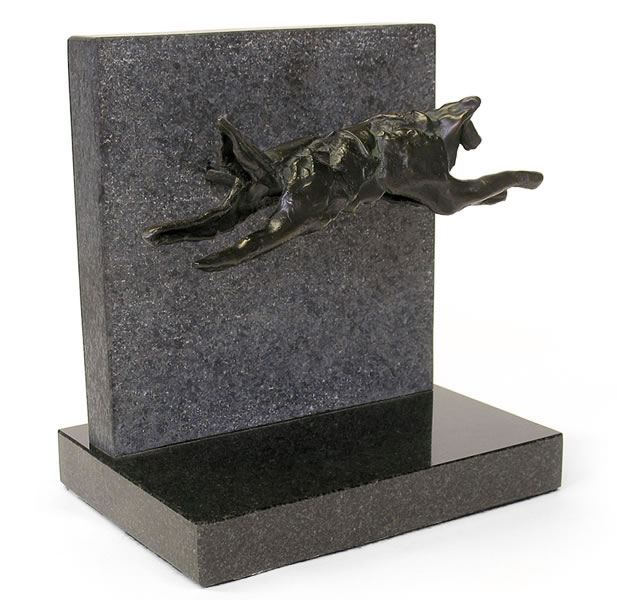 Reproduction en bronze d'un loup