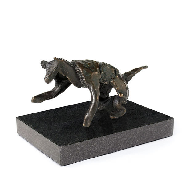 Reproduction en bronze d'un loup